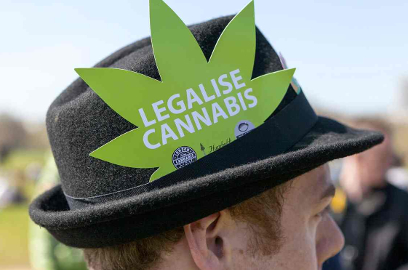uk legalize cannabis